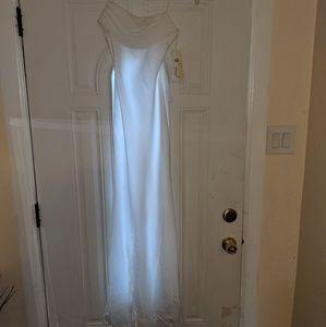 Long white sleeve less dress